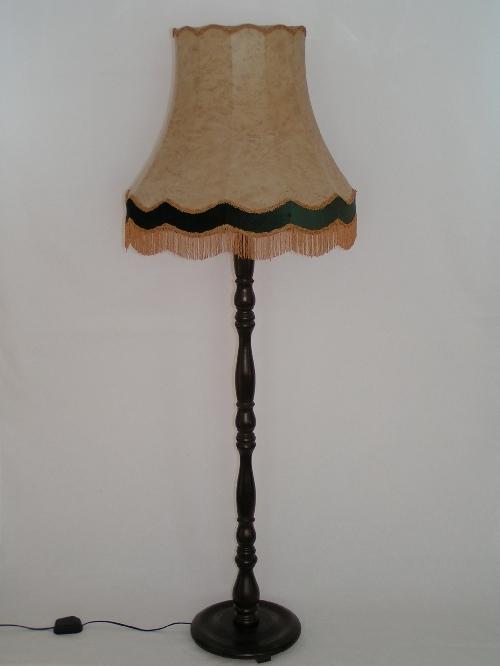 leuchten und lampen stehleuchte mit schirm unserer lampen der landhaus. Black Bedroom Furniture Sets. Home Design Ideas